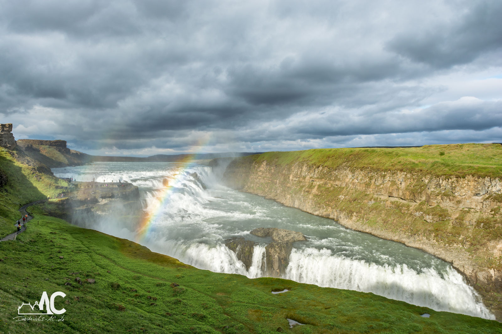 Der Gullfoss bildet zusammen mit den Geysiren und Thingvellir den Golden Circle.