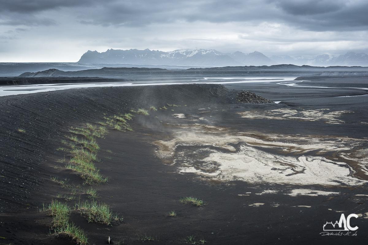 Eine lebensfeindliche Gegend auf dem Weg richtung der Gletscherlagune Jökulsarlon